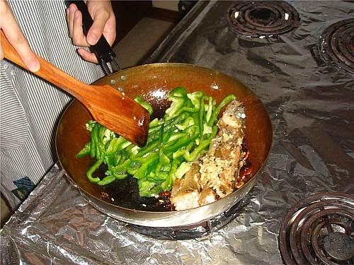 热锅上的鱼